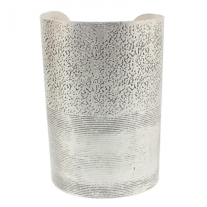Brazalete de metal rígido en plateado