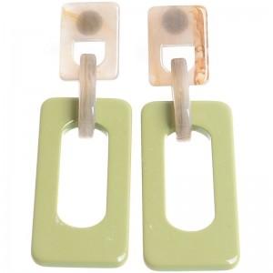 Pendientes de resina en tono verde y topo.