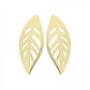 Pendientes de acero con forma de hoja en dorado