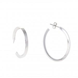 Pendientes de plata rodiada en forma de aro de 2.5 cm de diámetro