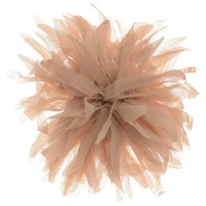 Broche en forma de flor en tela tono beige
