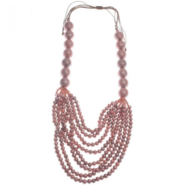 Collar de cuentas en madera color rosa con varias vueltas