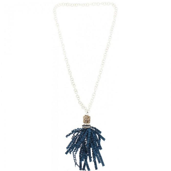 Collar largo de anillas plateadas y colgante de fleco en azul