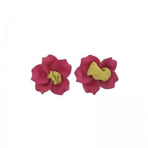 Pendientes en forma de flor con resina y tela