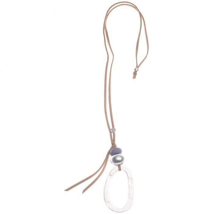 Collar largo con gran anilla ovalada de metal