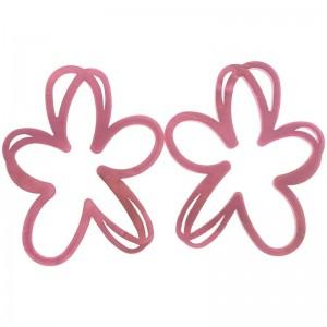 Pendientes XL de resina en forma de flor calada
