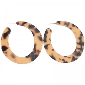 Pendientes de resina en forma de aro con animal print