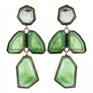 Pendientes de metal con formas geométricas en color verde
