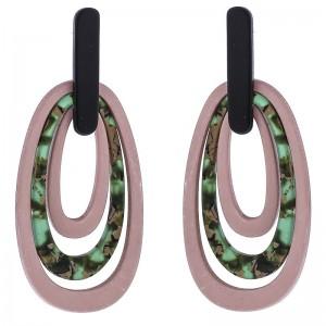Pendientes largos de resina combinado en rosa y estampado
