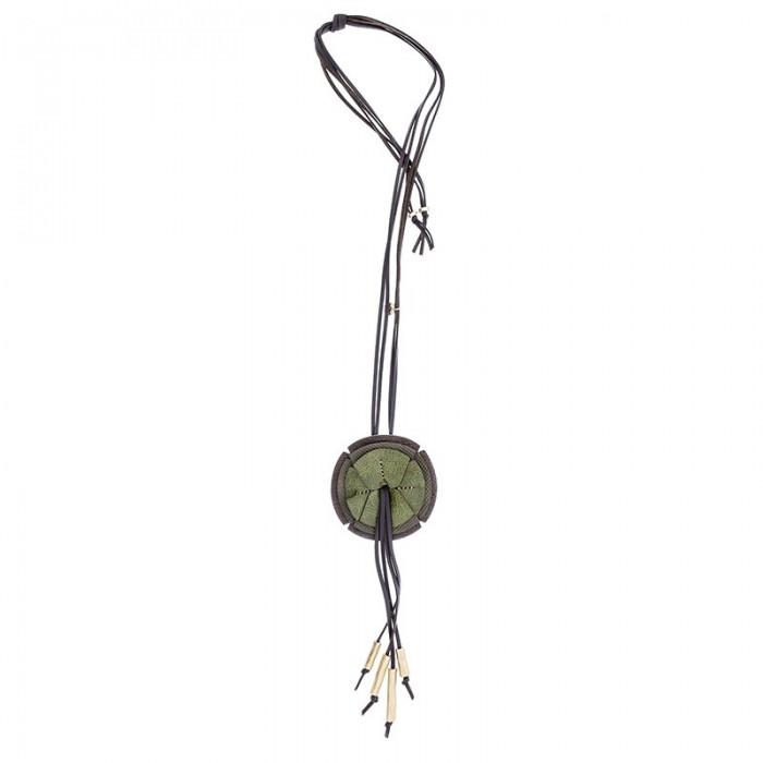Collar largo con colgante en forma de flor verde