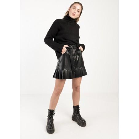 Falda mini de efecto piel