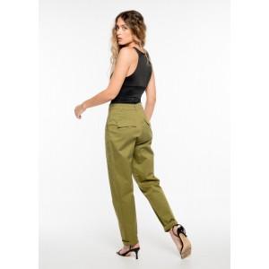 Pantalón en color kaki