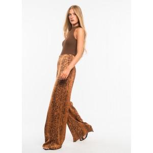 Pantalón de camal ancho con estampado de serpiente