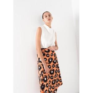 Falda midi con estampado margaritas