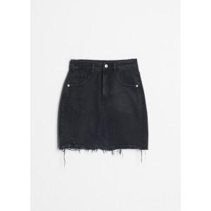 Minifalda deshilachada en color negro