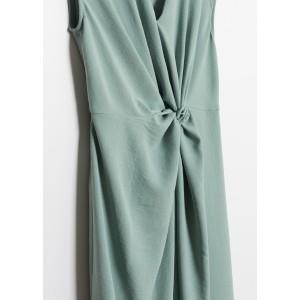 Vestido sin mangas drapeado