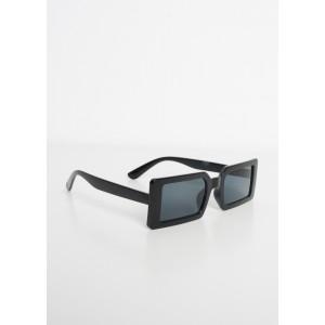 Gafas de sol retro en resina negra