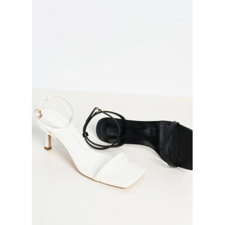 Sandalias de tira anudada al tobillo